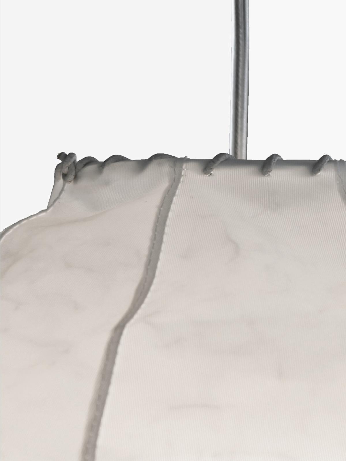 Pendel-B7-samles-med-hvid-lædersnøring-detaljer_png